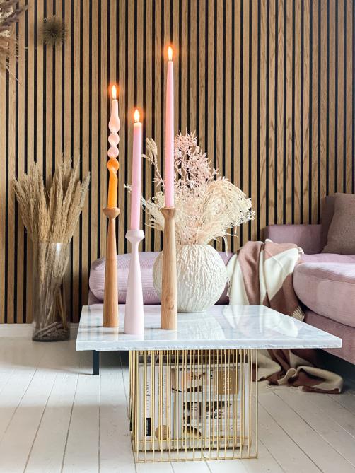 krea_pernilles stue med farverige stearinlys